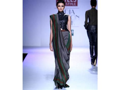 how to drape saree pallu 11 easy stylish saree pallus that you have never seen