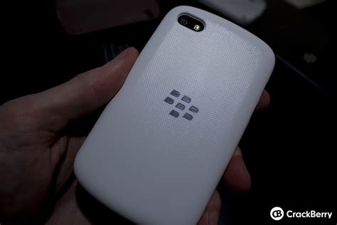 Soft Shell Blackberry Q10 a look at the blackberry q10 official accessories