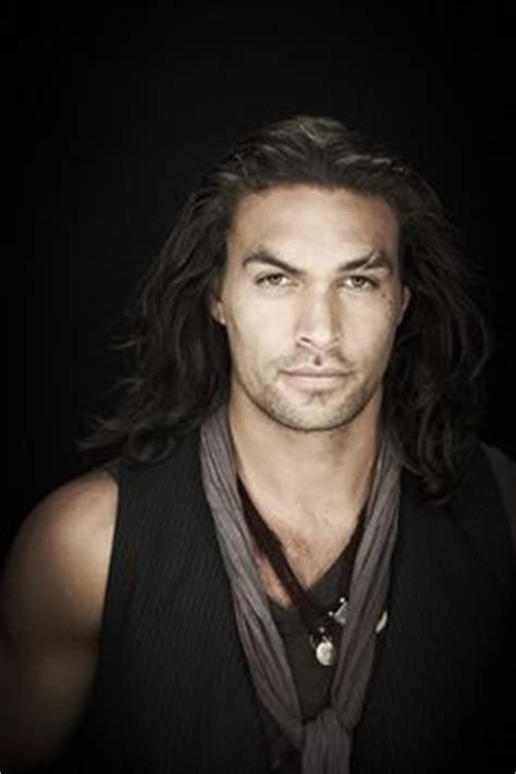 native american men with long hair jason momoa baywatch pessoas bonitas pinterest