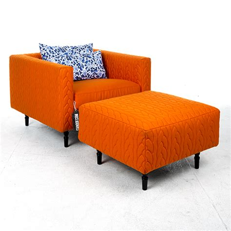 fauteuils delft moooi boutique delft blue jumper fauteuil en poef canoof nl