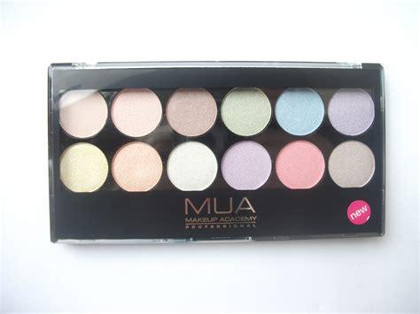 Pastel Eyeshadow Palette make me up uk make up reviews tips