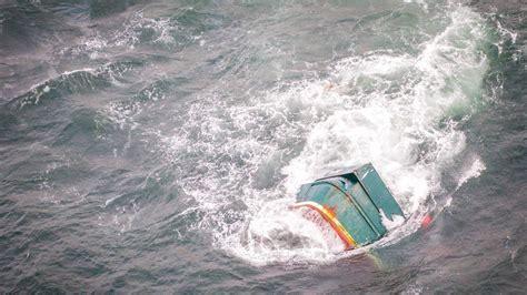 bering sea boat sinks uconn student recalls dramatic rescue in bering sea