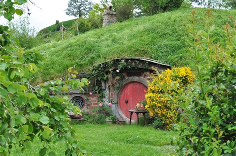 hobbit hole hobbit hole by irissiel on deviantart