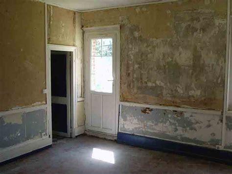Dissolvant Colle Toile De Verre by Peinture Isolation Maison Enlever La Colle N 233 Opr 232 Ne Sur Un