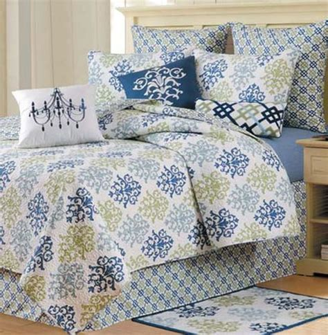 shabby chic blue quilt and bedding