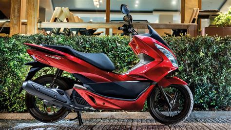 Pcx 2018 Vermelha 2018 honda pcx150 review totalmotorcycle