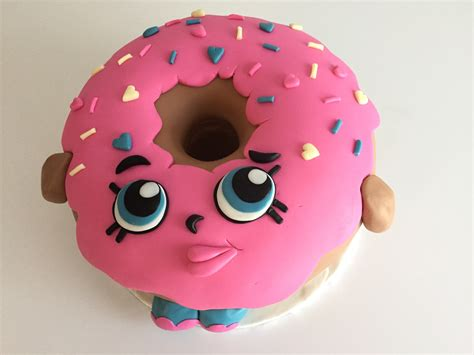 Shopkins Dlish Donut here is my vanilla cake oversized shopkins d lish donut