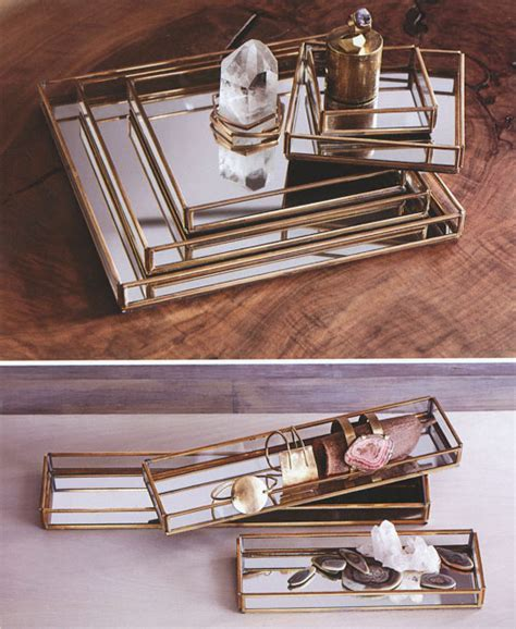 Cour Napoleon: Mirrored Glass Jewelry Display Serving