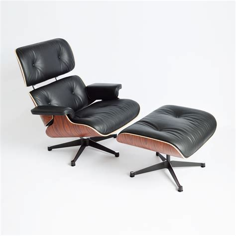 The Eames Lounge Chair by Vitra Eames Lounge Chair Ottoman Palisander Midmodern De