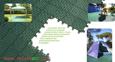 piastrelle plastica per giardino pavimento plastica esterno drenante plastica giardini