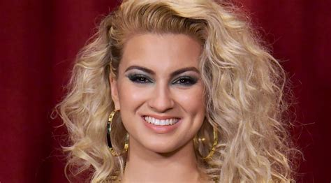 what side does tori kelly part her hair what side does tori kelly part her hair 610 best tori