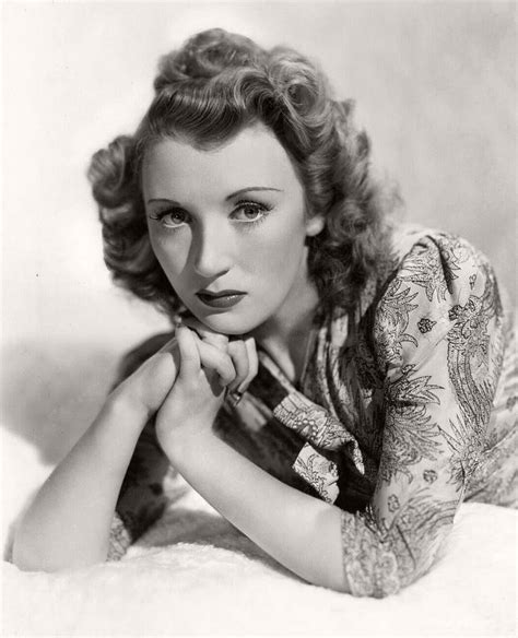 hollywood retro actresses classic black and white portraits of hollywood actresses