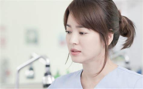 model rambut song hye kyo 太阳的后裔 宋慧乔白皙肌肤的秘诀是 q e3 magazine