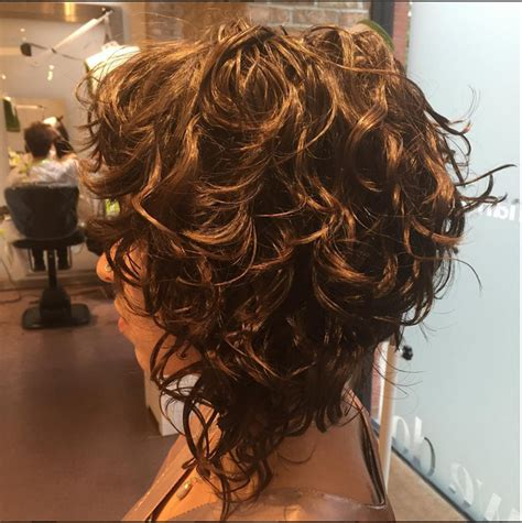 wavy aline haircut too cute hairstyles pinterest beautiful a line bob from mia devachan hairstyles to