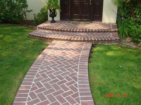 Ideas For Brick Sidewalk Design 25 Best Ideas About Brick Walkway On Brick Pathway Brick Sidewalk And Brick Path