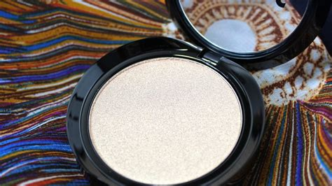 light source illuminating highlighter with the lorac light source illuminating highlighters the