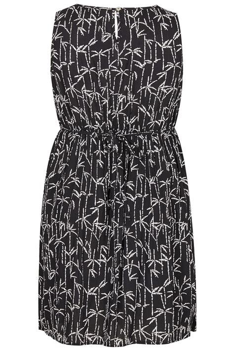 Dress Flower Bodycon Tali Dada Best Seller black white palm print pocket dress with elasticated