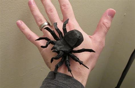Origami Spider - 13 incredibly creepy origami spiders