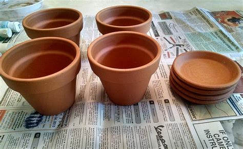 how to paint terracotta pots corner