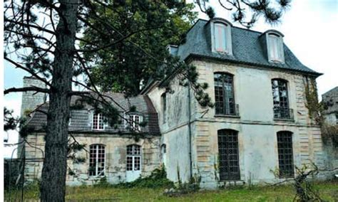 for sale: 'honky château' where elton and bowie recorded