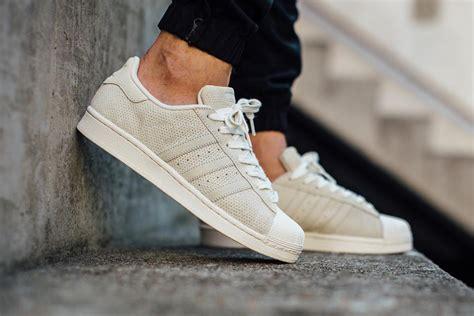 Adidas Superstar Cowok Premium White 1 adidas superstar white sneaker hypebeast