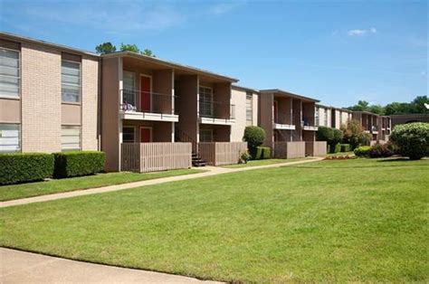one bedroom apartments tyler tx meadowbrook apartments 4600 paluxy tyler tx rentcaf 233