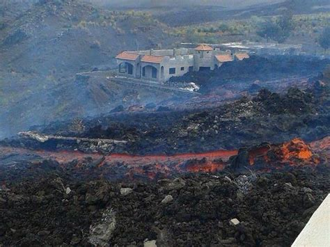 Idola 2 In 1 Cape By Lava lava flows from fogo in the cape verde islands bury two