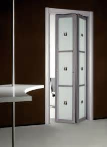 Accordion Bathroom Door by Modern Folding Doors By Foa Porte Digsdigs