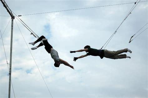 swinging trapeze urman blog flying trapeze