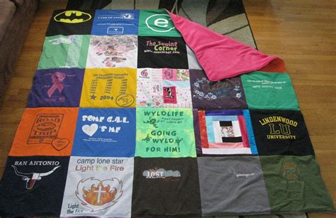 T Shirts Made Into Quilts by How To Make A Tshirt Quilt 19 Diy Tutorials Guide Patterns