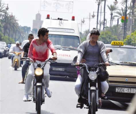 femme la mobylette 9782081378681 jamel debbouze en mobylette 224 marrakech