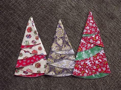 pattern for making christmas tree napkins christmas tree napkins sewing studio pinterest