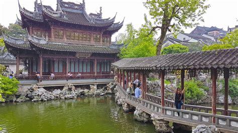 yuyuan garden shanghai is an international metropolis on yangtze river