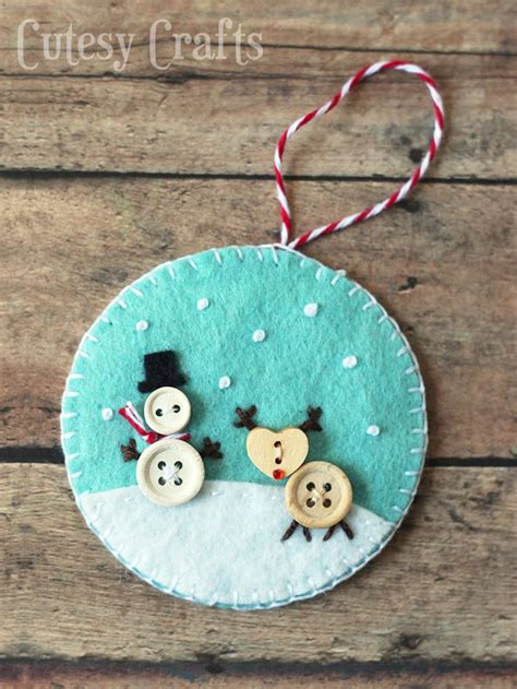 felt christmas projects button and felt diy ornaments cutesy crafts