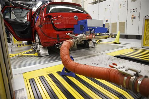 Engineering Briefprobe Veteran Volkswagen Engineer Charged In U S Emissions Probe Bloomberg