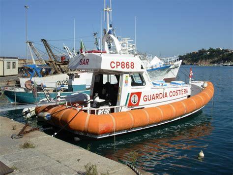 ufficio circondariale marittimo porto santo stefano soccorso peschereccio al largo di capel rosso isola