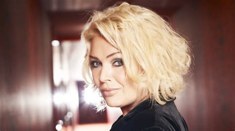 Living Outdoors by Kim Wilde Talks Pop Parenthood And Pvc Outinperth