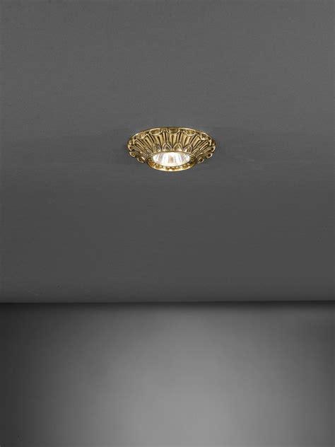 faretti a soffitto faretto da incasso a soffitto in ottone dorato reccagni