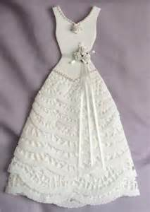 1000 ideas about paper dresses on pinterest newspaper