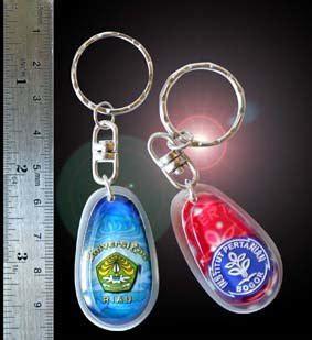 Bahan Resin Pin pin gantungan kunci gantungan kunci ouval