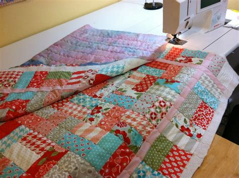 How To Make A Stitch Quilt by Christa S Quilt Along 1 5 Machine Quilting Christa Quilts