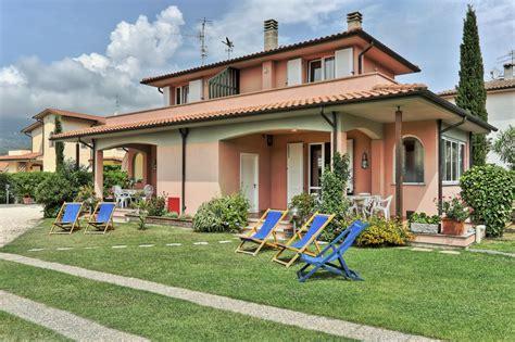 Colori Per Esterni Villette by Colori Per Esterne Agriturismo Lucca Casa Rosa With