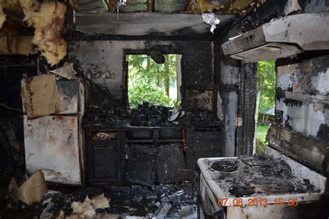 Detached Garage With Apartment by Rainbow Lake Apartment Damaged In Fire Masonwebtv Com