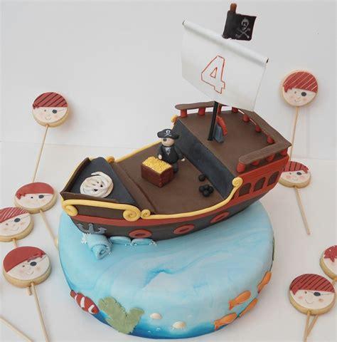 barco pirata tarta tarta barco pirata galletas pirata tartas pinterest