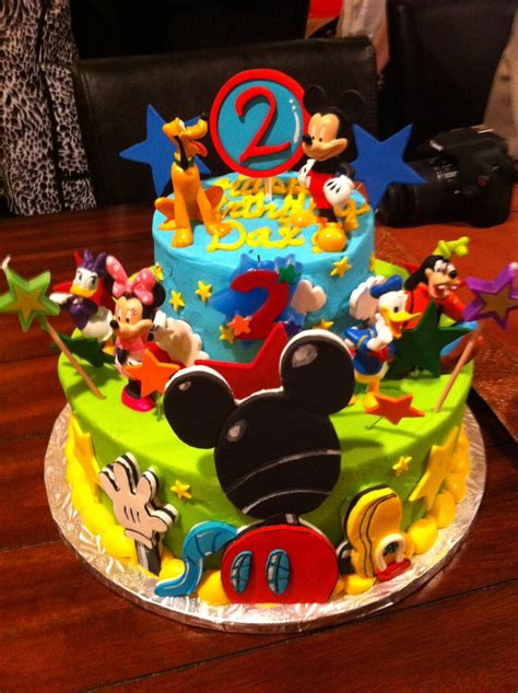 edible fondant detailed  mickey mouse clubhouse cake topper