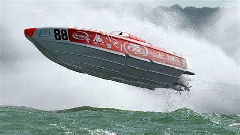 donzi boat startup osg donzi zr racing powerboat p1 evolution world
