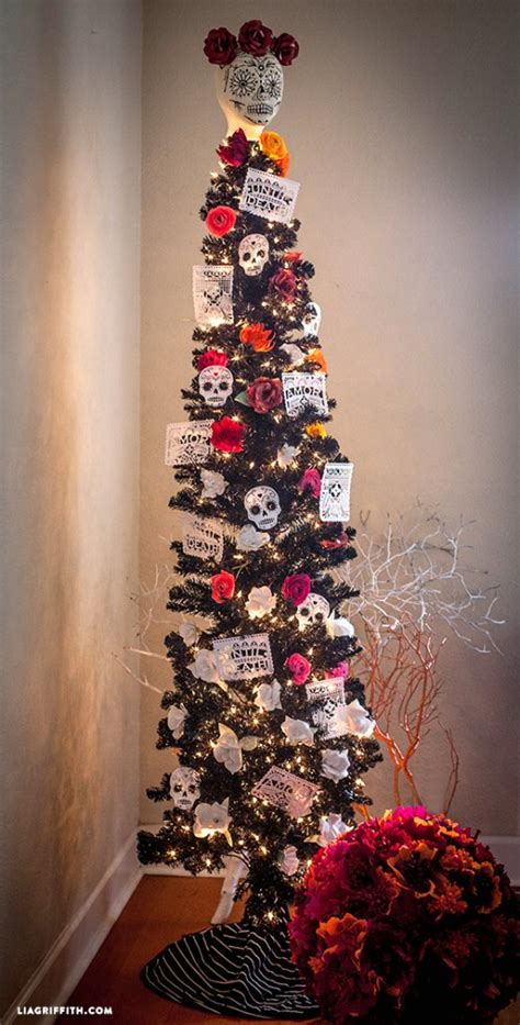how to decorate a pencil tree for christmas lia griffith features treetopia black tree treetopia