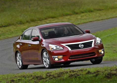 2013 Altima Review by 2013 Nissan Altima Review