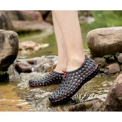 Sepatu Polka Black Anti Slip sepatu slip on anti slip size 40 black jakartanotebook