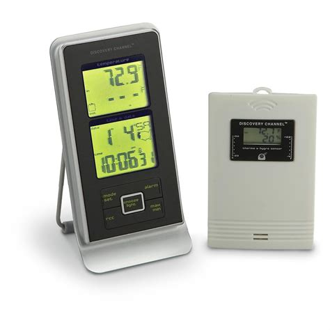 discovery channel 174 indoor outdoor weather alarm clock 161861 weather stations at